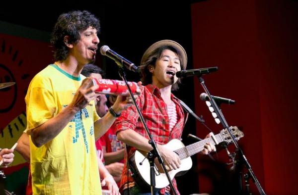 Vì sao Coca-Cola tung ra đến 32 phiên bản cho 1 bài hát mùa World Cup?