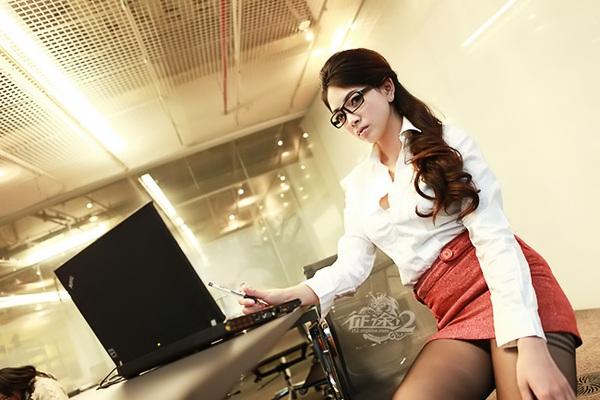 Làm gì nếu nhân viên ăn mặc 'mát mẻ', xỏ khuyên mũi hay xăm hình đến công sở?