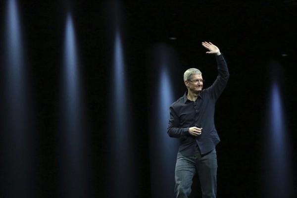 Apple của Tim Cook vừa chào đời đêm qua
