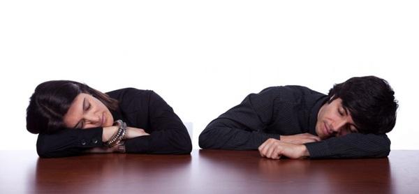 Ngủ 'nướng' vào cuối tuần sẽ khiến ngày làm việc vào thứ 2 trở nên tồi tệ
