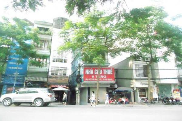 Cửa hàng mặt phố Hà Nội: Giảm giá vẫn vắng khách