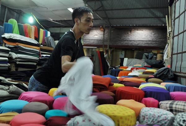 Chợ Ninh Hiệp: Sạp vải nhỏ, lãi vài triệu mỗi ngày