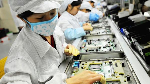 Không sản xuất được cả cục sạc, ốc vít… là nỗi đau của Việt Nam
