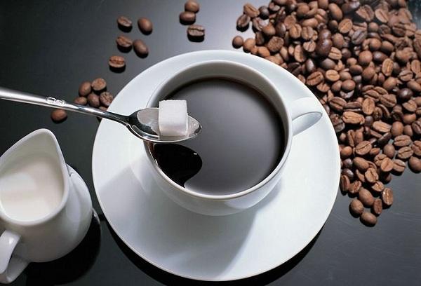 Starbucks vs Trung Nguyên: Chọn cà phê hay chiếc cốc?