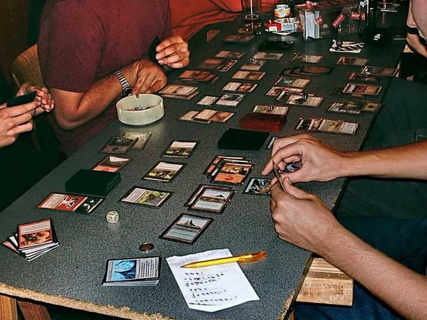 Những tấm thẻ trò chơi ảo thuật cũng đáng để mua