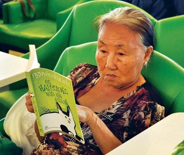 Thú vị nghề đọc sách thuê