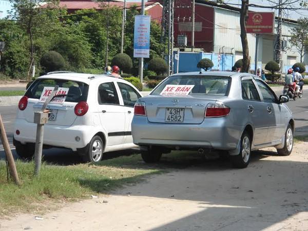 Ô tô cũng… bán dạo