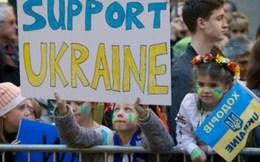 Ukraine nhận 'phao cứu sinh' 27 tỷ USD từ IMF