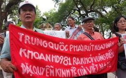 Hàng vạn người dân mít-tinh phản đối Trung Quốc