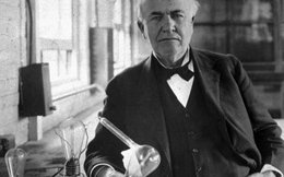 Nhà bác học Thomas Edison làm gì khi nhà máy của ông bị nổ tung và cháy rụi?