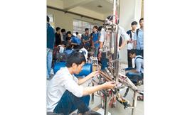 Chiếc máy làm móc 'Made in Vietnam'