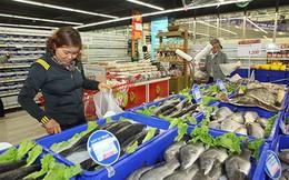 Muốn vào siêu thị: Không dễ!