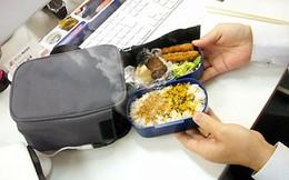Xử lý sao khi nhân viên mang cơm đến văn phòng và gây mùi khó chịu?