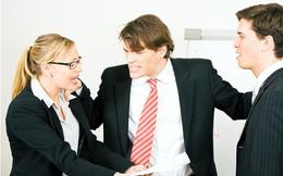 Khi nhân viên đối đầu: Nhà quản lý nên im lặng, lờ đi hay đứng ra hòa giải?
