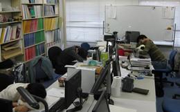 Nhật Bản: Ngủ tại công sở là 'cống hiến' cho công việc