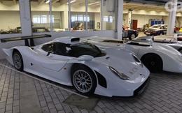 Bên trong nhà kho bí mật chứa các siêu xe Porsche