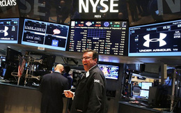 S&P cán mốc 2.000 điểm: Nên mua, bán, hay không làm gì cả?