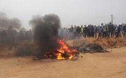 """Hàng nghìn công nhân """"hỗn chiến"""", đốt xe bảo vệ tại nhà máy Samsung Thái Nguyên"""