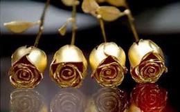 Quà Valentine: 1,5 triệu đồng một bông hồng mạ vàng