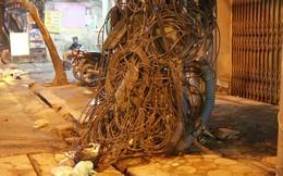 """Những điều """"kì dị"""" trên đường phố Hà Nội"""