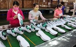 Chợ Đồng Xuân: Mỗi ngày bán ra 3.000-4.000 đôi giày dép Việt