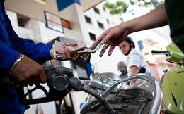 Nếu Bộ Công thương điều hành giá xăng dầu: 'Vừa đá bóng, vừa thổi còi'