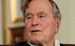 """Cựu tổng thống Mỹ Bush """"cha"""" nhập viện"""