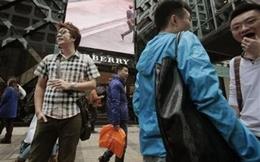 Đàn ông sexy cứu hàng hiệu ở Trung Quốc