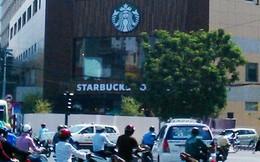 Starbucks quây kín cửa hàng, tất bật chuẩn bị khai trương ở Sài Gòn