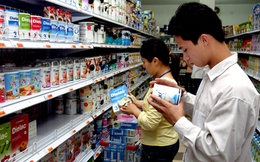 Người tiêu dùng cả tin, thị trường sữa xách tay thêm nhốn nháo