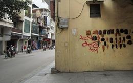 Những cửa hàng treo tường độc đáo nhất Hà thành