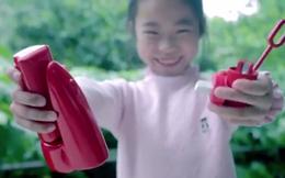 Quảng cáo sáng tạo của Coca-Cola: Biến chai rỗng thành súng nước, bình xịt