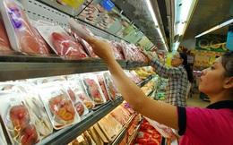 Đưa hàng vào siêu thị: Mệt mỏi đứng kệ, chật vật đường vào