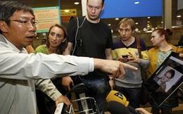 Cựu nhân viên CIA Snowden rời HongKong, xin tị nạn tại Ecuador