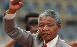 Ông Nelson Mandela đang sống thực vật?