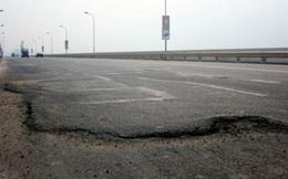 Hơn 90 tỷ đồng sửa mặt cầu Thăng Long: Coi như… phí thử nghiệm