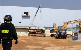 20 cảnh sát cơ động lập 'doanh trại' tại Nhà máy Samsung