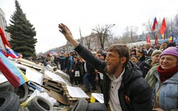 Chính quyền Ukraine dọa mạnh tay với người thân Nga