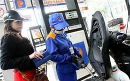 Điều hành giá xăng dầu: Bóng vào chân Bộ Công Thương