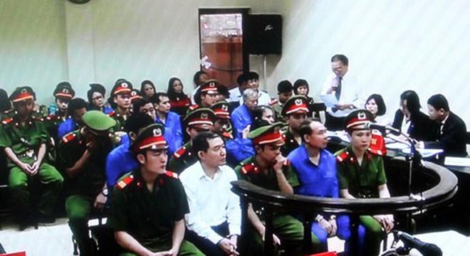 [Xét xử Dương Chí Dũng]: Mang bãi rác về Việt Nam, đất nước này sẽ đi về đâu?